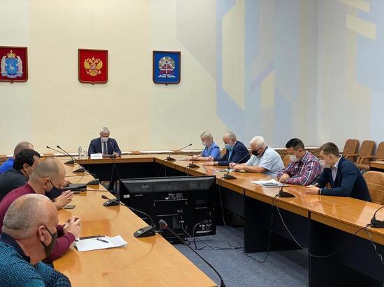 Глава Ноябрьска разобрался с проблемой грязной воды в домах горожан