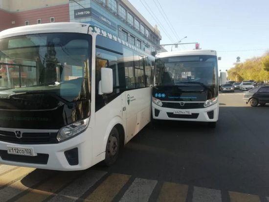 В Уфе столкнулись два автобуса – пострадала пассажирка