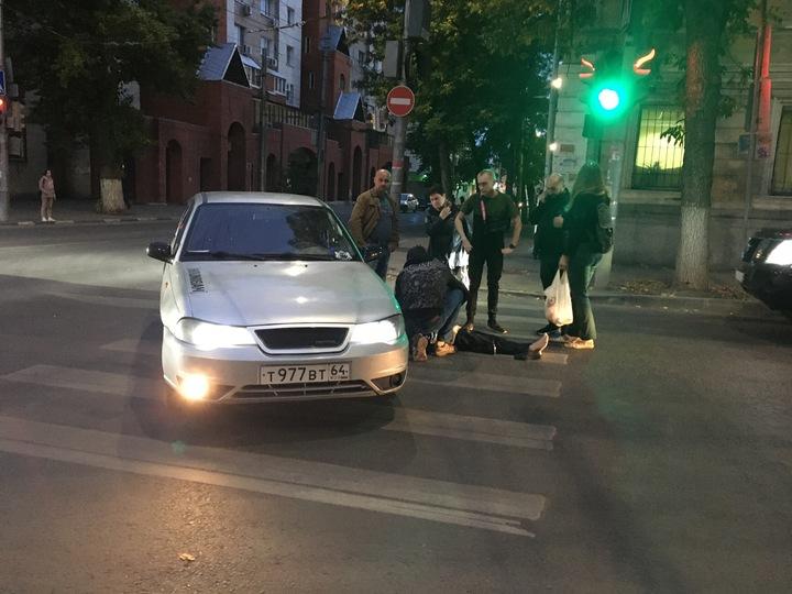 """Около редакции """"МК в Саратове"""" сбили женщину"""