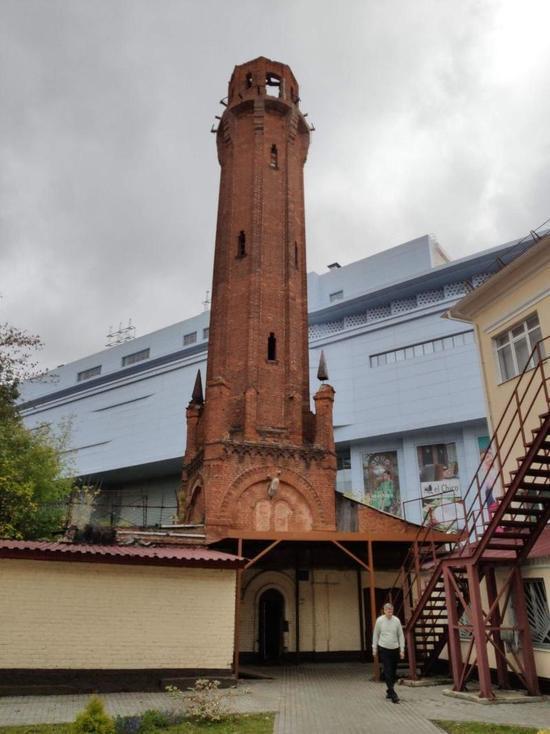 Известная в Курске «красная башня» вернет свой первоначальный вид