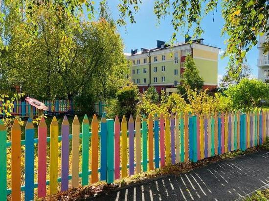 Плес благоустраивается: прогулочные площадки в детском саду облагородили площадки