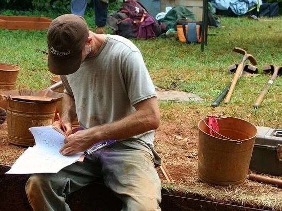 Дорожные рабочие жалуются на псковских археологов