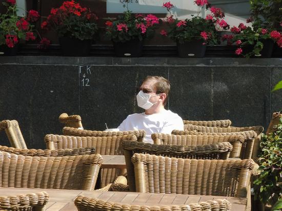 В Москве оценили риски закрытия кафе и ресторанов из-за COVID-19