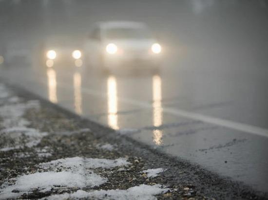 Трассу Енисей в Хакасии чистили сегодня от снега