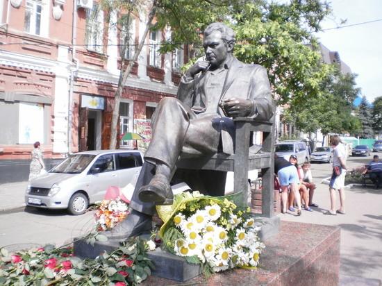 25 сентября исполнилось 100 лет со дна рождения народного артиста СССР, кинорежиссера, обладателя премии «Оскар» Сергея Бондарчука