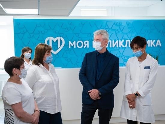 Эпидемия COVID-19, похоже, разгорается с новой силой: в мире, в России и в Москве