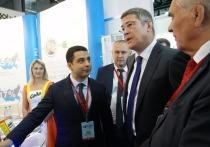 Глава Башкирии Радий Хабиров предложил директору «Башкирской содовой компании» Эдуарду Давыдову «дальше двигаться вместе»