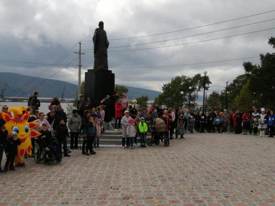 Благоустроенный сквер получили жители Николаевска-на-Амуре