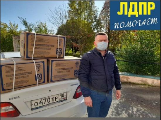 Депутаты ЛДПР передали РКИБ УР партию одноразовых шприцев и инфузионных систем