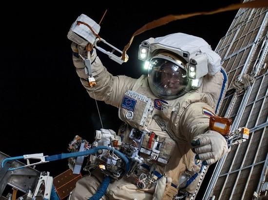 Экипажам российской орбитальной станции могут выдать оружие