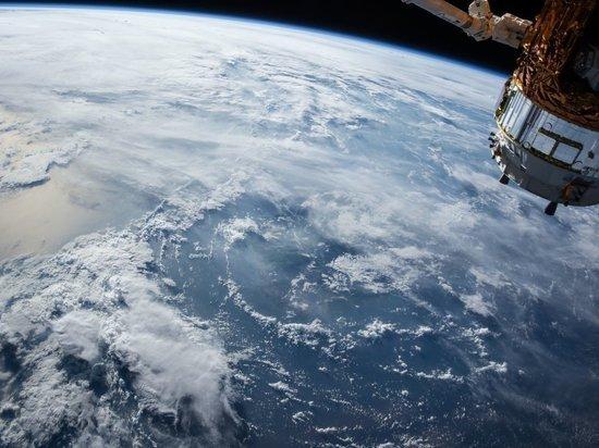 В США снова перенесли запуск на орбиту гигантского спутника-шпиона