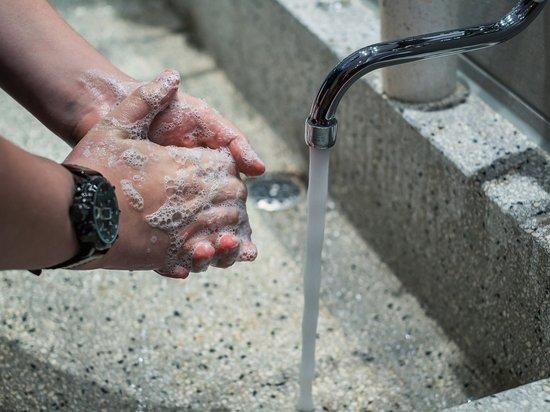 В Техасе запретили пить воду из-под крана из-за микроба, поражающего мозг