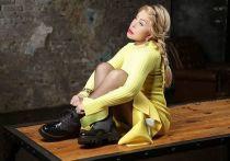 Российская исполнительница Любовь Успенская примерила платье своей дочери Татьяны Плаксиной и получила от нее гневный комментарий под фотографией в Instagram
