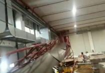 Первые подробности обрушения пешеходной галереи в здании компании «ФМ Лоджистик» (городской округ Ступино) стали известны «МК»