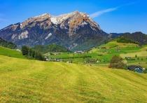 Граждане Швейцарии в воскресенье решают на референдуме: должна ли их страна отказаться от соглашения о свободном передвижении людей с ЕС