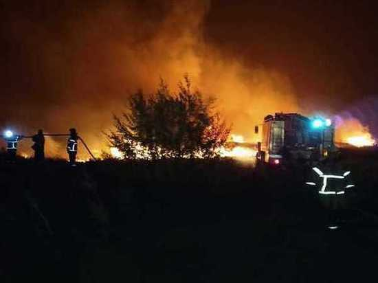 Открытое горение сухой растительности ликвидировали в Аксайском районе