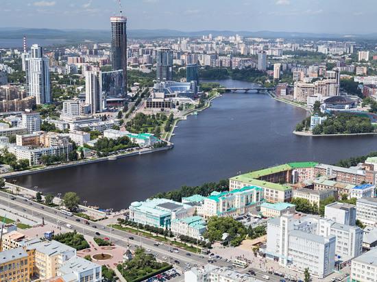 Девушка-боец бьется за Иваново в Екатеринбурге