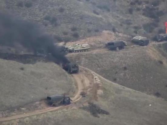 По словам президента непризнанной Нагорно-Карабахской республики Араика Арутюняна, в результате эскалации конфликта в регионе погибли десятки карабахских военных