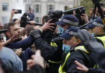 Власти Британии продолжают закручивать гайки, усиливая призванные ограничить распространение коронавируса меры