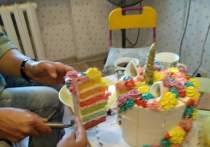 Семья в Великих Луках: Отравились приготовленным на заказ тортом