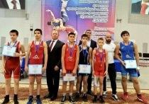 Пуровские борцы в турнире памяти Николая Подколзина завоевали 16 наград