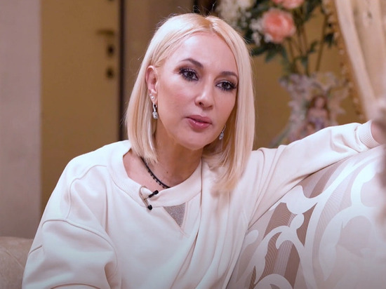 Известная телеведущая Лера Кудрявцева во время съемок шоу «Осторожно, Собчак!» отказалась впускать Ксению в свой дом