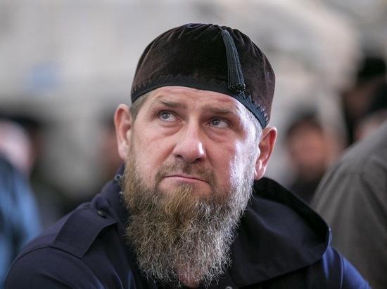 Глава Чеченской республики Рамзан Кадыров призвал подключиться к вопросу урегулирования конфликта в Закавказье все мировое сообщество