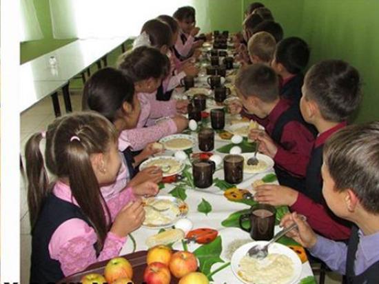 В Улан-Удэ из школьного меню второй смены убрали каши
