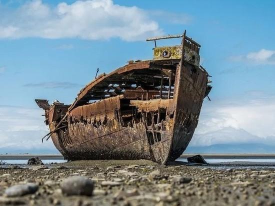 Кладбище кораблей в Магадане вынудило правительство страны менять законы