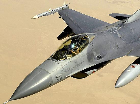 29 сентября минобороны Армении сообщило о том, что турецкий истребитель F-16 якобы сбил Су-25 республики в её же воздушном пространстве