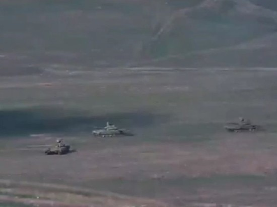 Кремль: российские военные внимательно следят за Карабахом