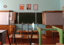 В среду стало известно, что губернатор Ульяновской области Сергей Морозов решил увеличить срок школьных каникул и провести их на две недели раньше положенного срока с 5 по 18 октября
