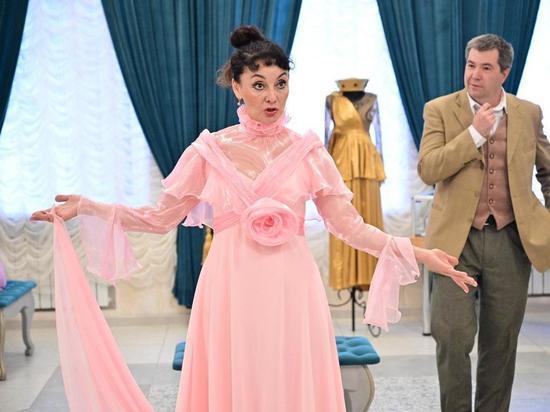 Актриса донецкой муздрамы отметила 25-летие творческой деятельности