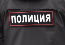 Сотрудники полиции задержали двух грабителей, похитивших в ночь на 18 сентября из частного дома в селе Усть-Изес Венгеровского района250 тысяч рублей, которые находились в сейфе, а также гладкоствольное ружье «Зимсон» 12 калибра