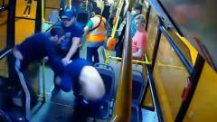Навалял в панамке: пассажир отметелил обидчика кондукторши