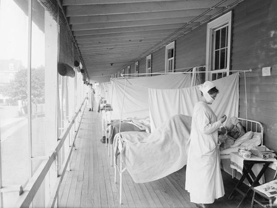 """У """"испанки"""" - гриппа, который в начале XX века унес десятки миллионов жизней, с коронавирусом много общего"""