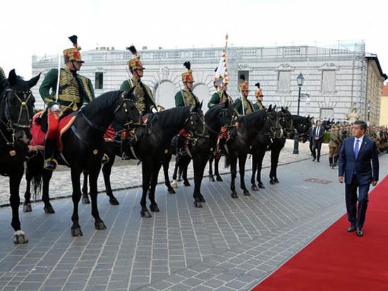 Ставка президента Кыргызстана на частые заимствования является большой ошибкой