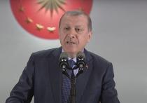 Президент Турции Реджеп Эрдоган ответил своим коллегам Владимиру Путину, Дональду Трампу и Эммануэле Макрону по поводу их обращения насчет урегулирования ситуации в Нагорном Карабахе, сообщает Reuters