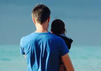 В громком деле о торговле младенцами от суррогатных матерей могут появятся новые фигуранты — отцы-геи, которые незаконно воспользовались услугой
