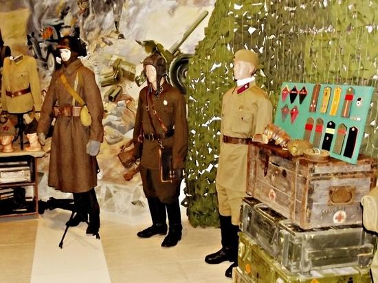 В Донецке открылась уникальная выставка военной формы и снаряжения