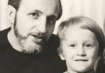 Телеведущий Оскар Кучера рассказал, что причиной смерти его отца минувшим летом стал коронавирус