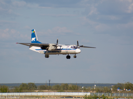 В Якутске приземлился пассажирский самолет с отказавшим двигателем