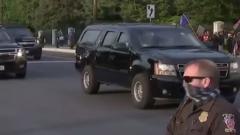 Трамп выехал на встречу со сторонниками, неcмотря на коронавирус: видео