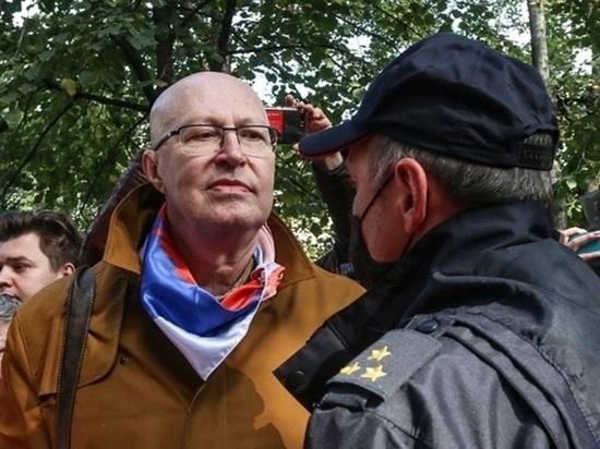 «Будет гораздо горячее»: Валерий Соловей предрек России радикальные протесты