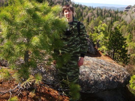 «Нормальный, добрый пацан»: друзья рассказали об уборщике, которого убил медведь