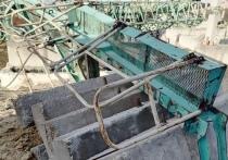 На стройке в Новом Уренгое обрушился кран
