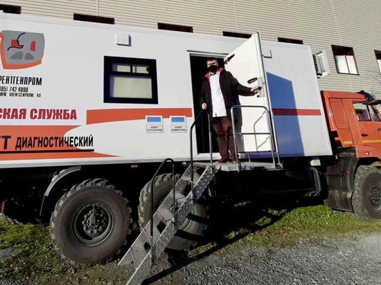 В больницу Аксарки пригнали новый медицинский КамАЗ