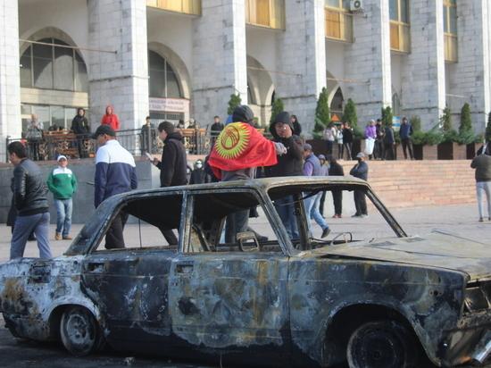 В Бишкеке проводят мобилизацию граждан для защиты города