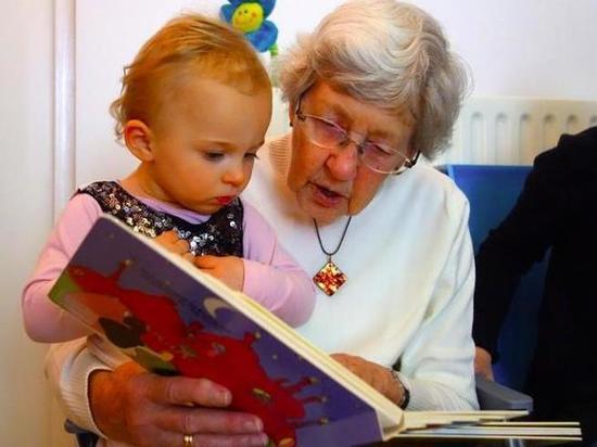 В российском законодательстве хотят закрепить право бабушек и дедушек быть с внуками