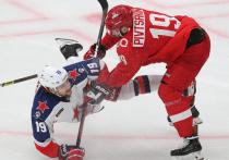 Шестая неделя 13-го сезона КХЛ еще не закончилась, но уже полна событий. ЦСКА продолжает победную серию, «Йокерит» разгромил «Спартак» со счетом 7:1, и в лиге случилось сразу две дисквалификации.  «МК-Спорт» - подробнее о них.